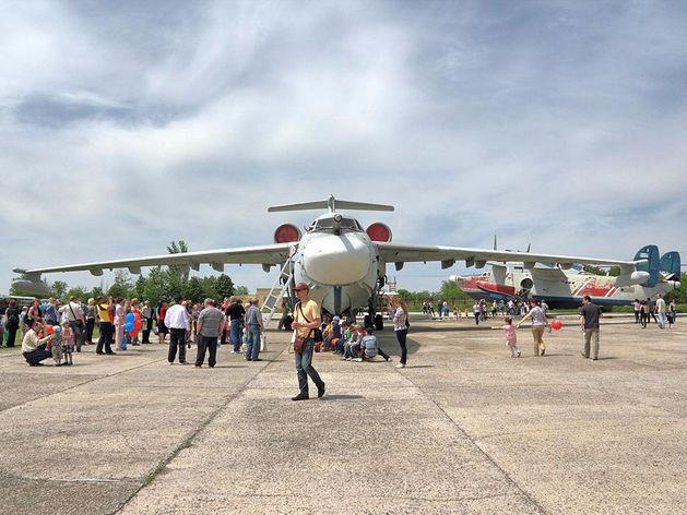 Таганрогский авиастроительный завод получил крупный заказ от Минобороны