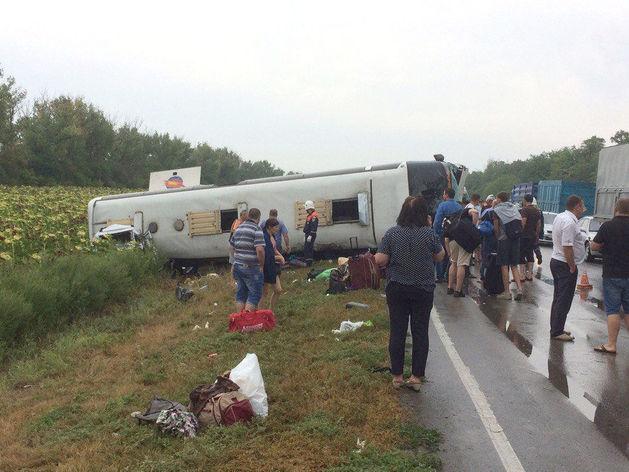 В Ростовской области в ДТП с пассажирским автобусом пострадали 27 человек